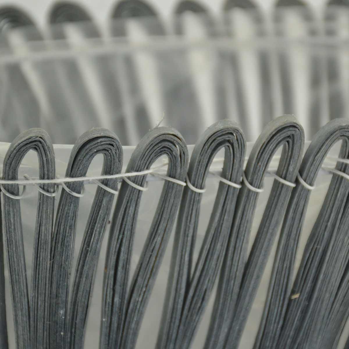 Ambalaje Flori ONLINE vinde Cos lemn pe schelet metalic gri la pretul de 23.9 lei