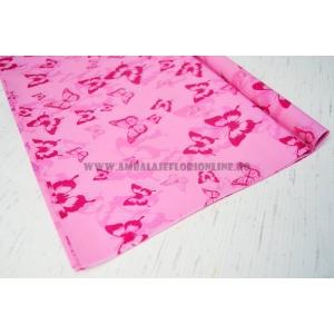 Ambalaje Flori ONLINE vinde Celofan color fluturi roz la pretul de 10.5 lei